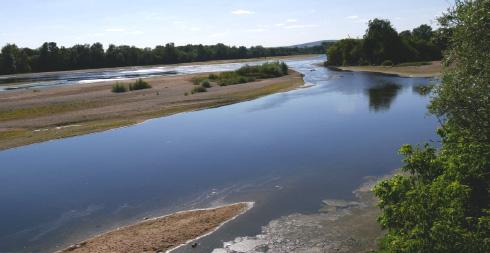 Un long fleuve tranquille